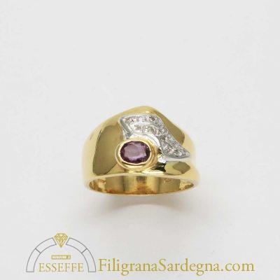 Anello a fascia con rubino e diamantini