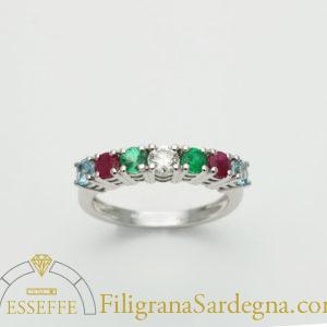 Anello con diamante, smeraldi rubini e acquemarine 1