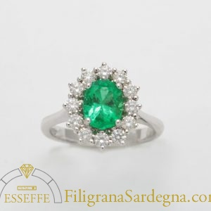 Anello con smeraldo e diamanti