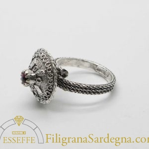 Anello in argento a bottoncino