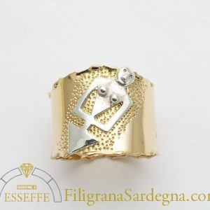 Anello in oro con dea madre