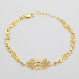 Bracciale con elementi in filigrana d'oro