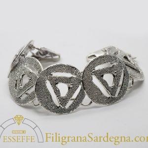 Bracciale in argento con moduli decorati per granulazione