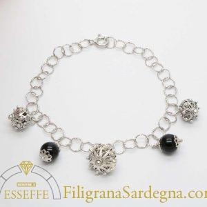 Bracciale in argento con bottoni sardi