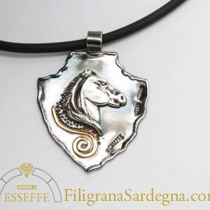 Ciondolo con cavallo in argento o argento e oro