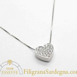 Ciondolo cuore di diamanti