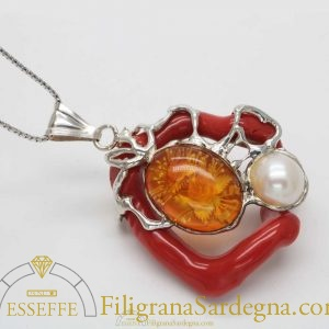 Ciondolo in argento con corallo, ambra e perla