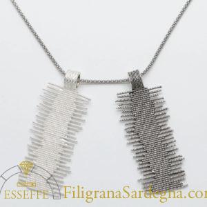 Ciondolo in argento in filigrana design tappeto sardo