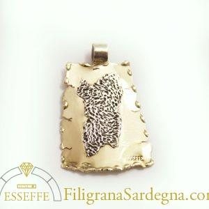 Ciondolo in oro con Sardegna