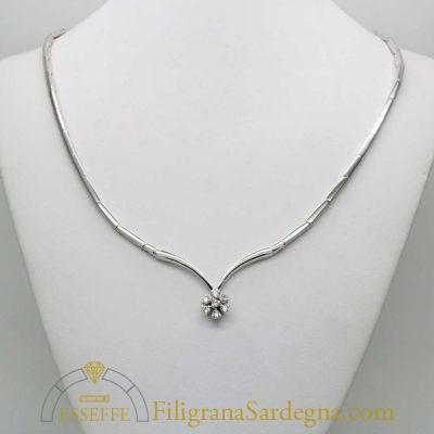 Collier in oro bianco con diamanti