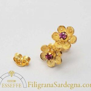 Fiorellini in filigrana d'oro con nanocristallo colorato