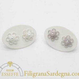 Orecchini a fiorellino in filigrana d'argento