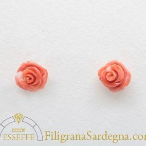 Orecchini con roselline di corallo rosa