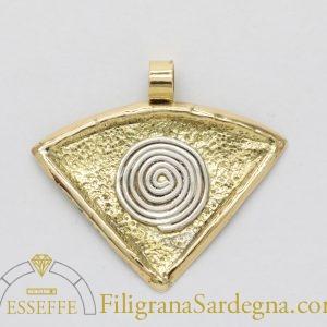 Pendente triangolare con spirale